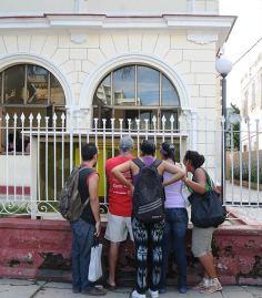 oficina-de-inmigración-cuba