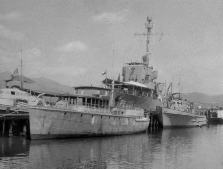 El Corynthia anclado en la Base Naval de Santiago de Cuba