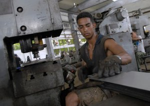 La educacion en Cuba Obreros-calificados1