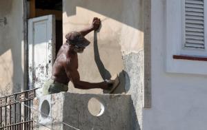 La baja productividad de la fuerza productiva y el déficit de fuerza calificada, entre los principales problemas en la construcción de viviendas en Cuba. Foto: EFE/STR